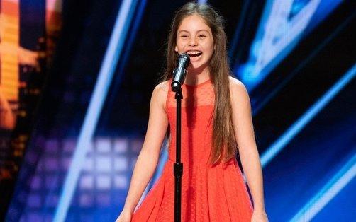 Una nena de 10 años emociona al mundo con su impresionante voz