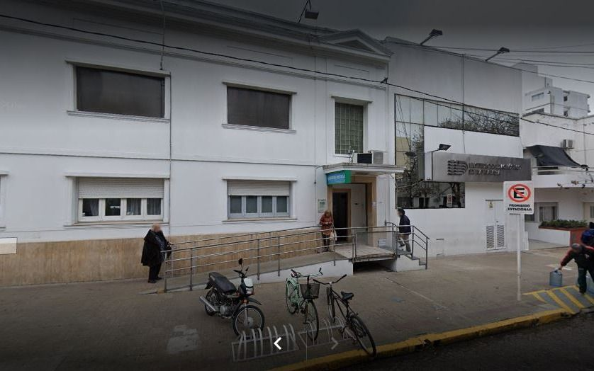 Grave denuncia contra clínica de La Plata: se internó, compartió habitación con paciente con COVID-19 y murió