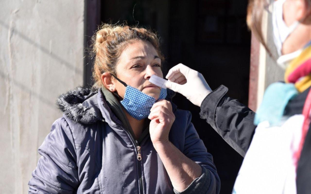 Realizaron búsqueda de casos de coronavirus casa por casa en Ringuelet, Melchor Romero y Tolosa