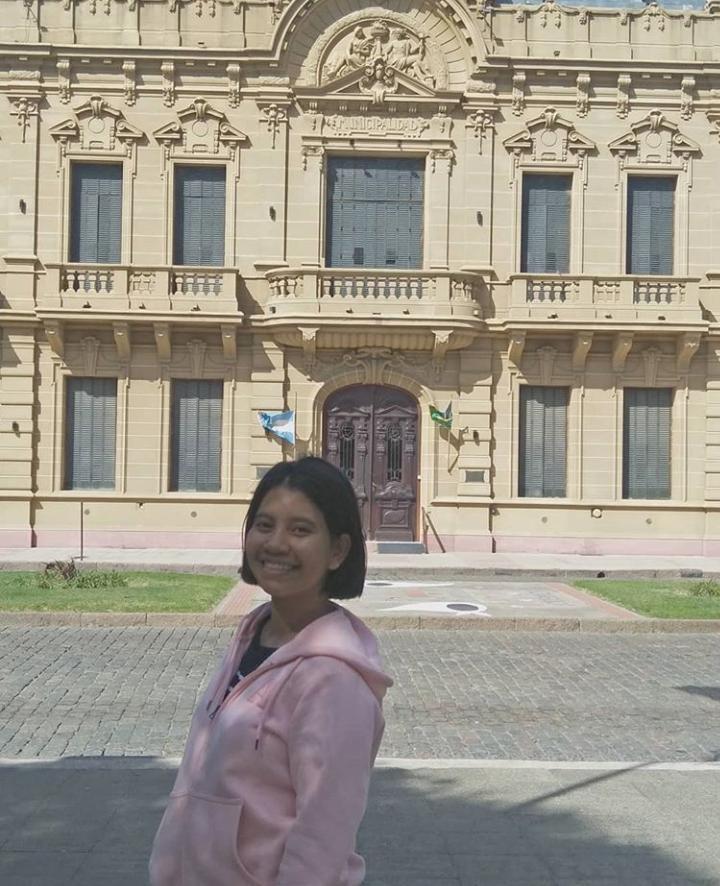 La cuarentena les cortó la experiencia de vivir en La Plata a una tailandesa y un italiano