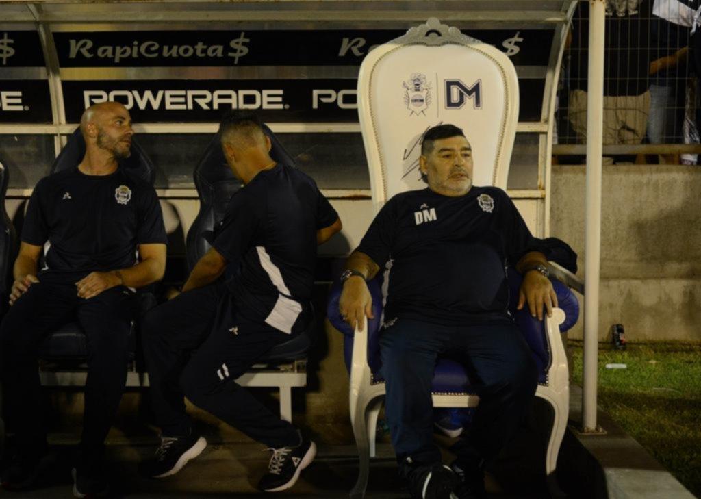 """Un Maradona """"blindado"""" rechazó la propuesta tripera"""