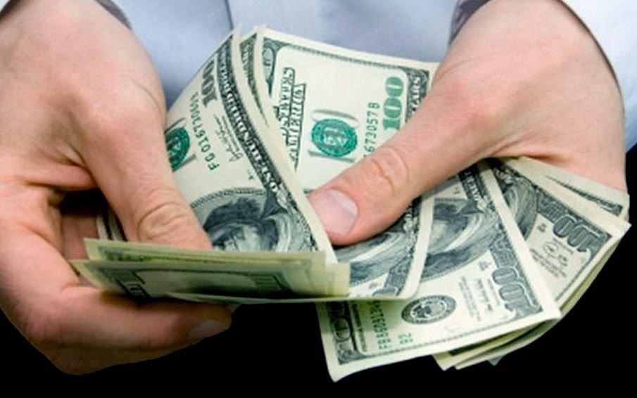 El dólar blue bajó a $ 124