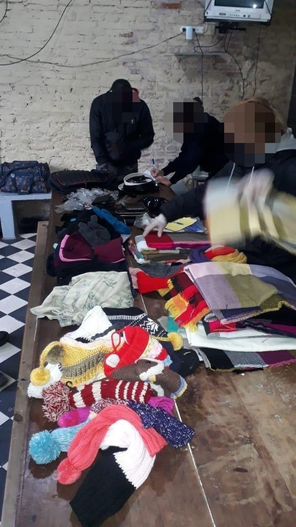 La venta ambulante ilegal no frena ni en plena cuarentena: hay tres aprehendidos