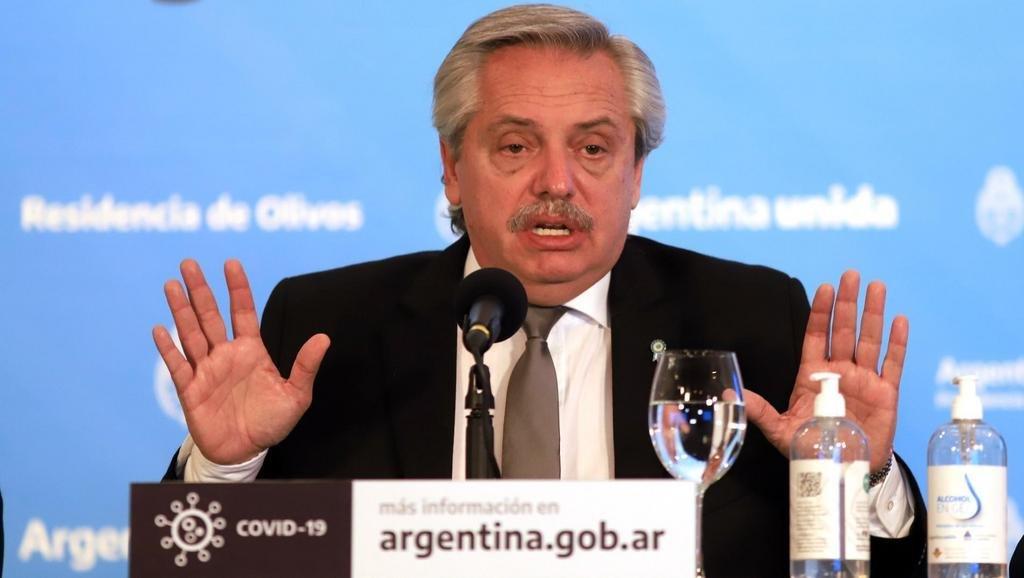 Fernández reconoció que consultó a Gallardo