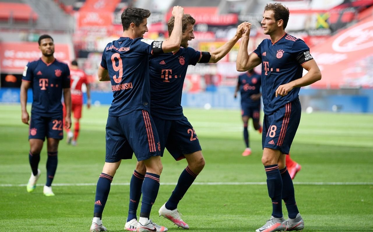 Alario no pudo ante el poder de un Bayern que se encamina al título en la Bundesliga