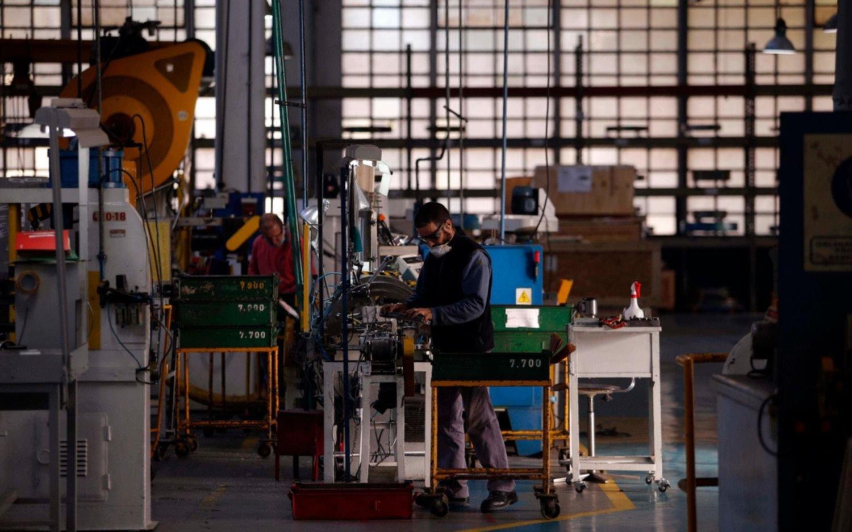 La economía se derrumbó 26,4 % en abril, el primer mes pleno de la cuarentena