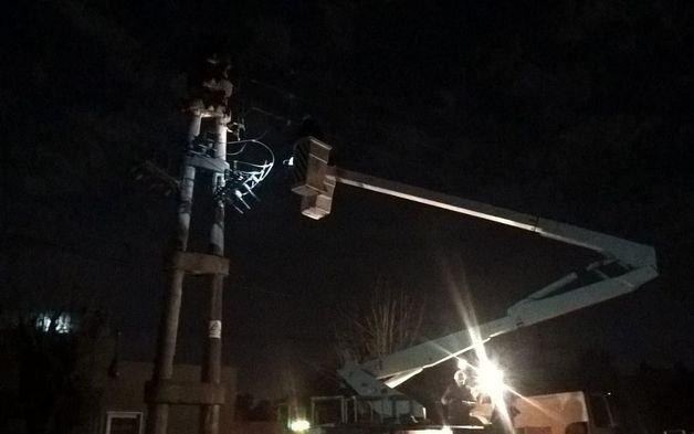 Hartazgo de vecinos de Villa Elisa por reiterados cortes de luz