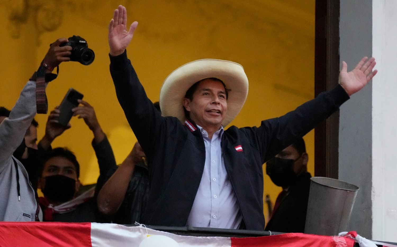 Perú: Castillo aventaja por más de 78.000 votos a Fujimori con escrutinio al 97,2 %