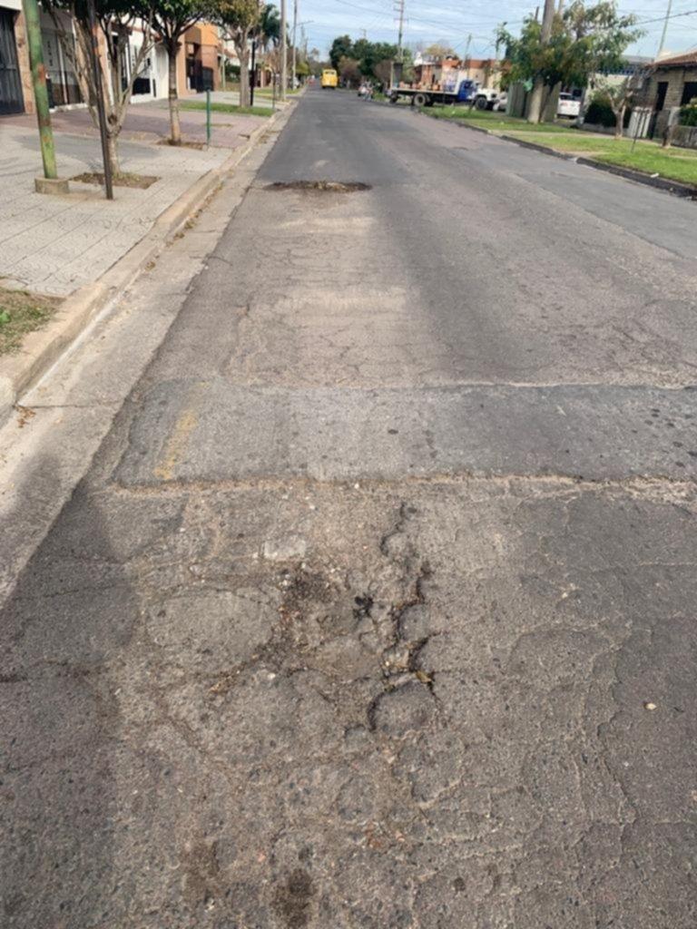 Una calle de barrio Jardín necesita obras urgentes de reparación