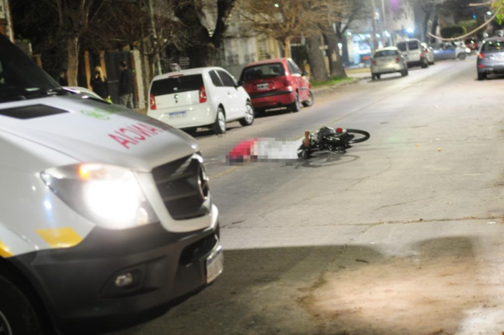 Conmoción por la muerte de un ciclista en 62, 23 y 24