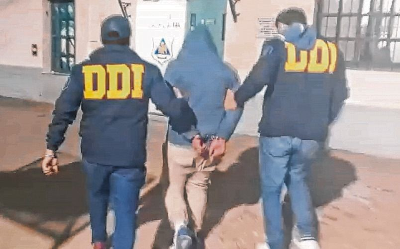Un allanamiento en El Mercadito terminó con varios policías heridos