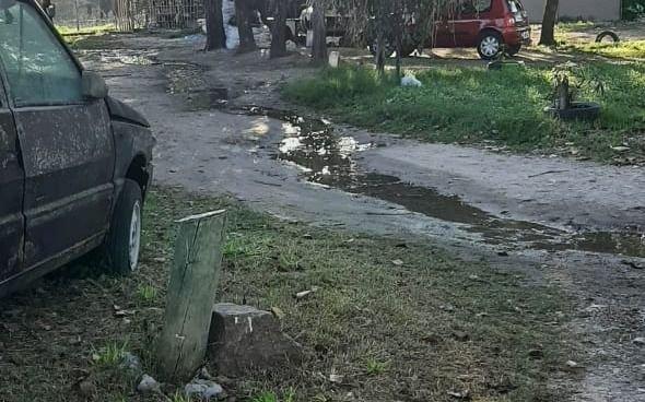 Desborde cloacal jaquea a vecinos de Los Hornos