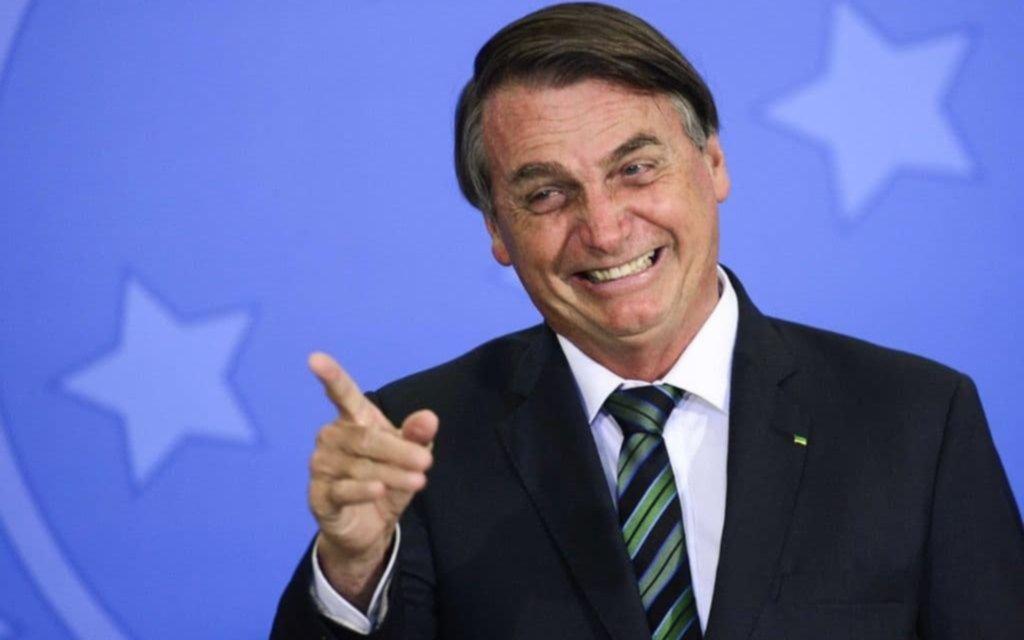"""Bolsonaro se burla de Fernández: lo comparó conMaduro y dice que """"para ellos no hay vacuna"""""""