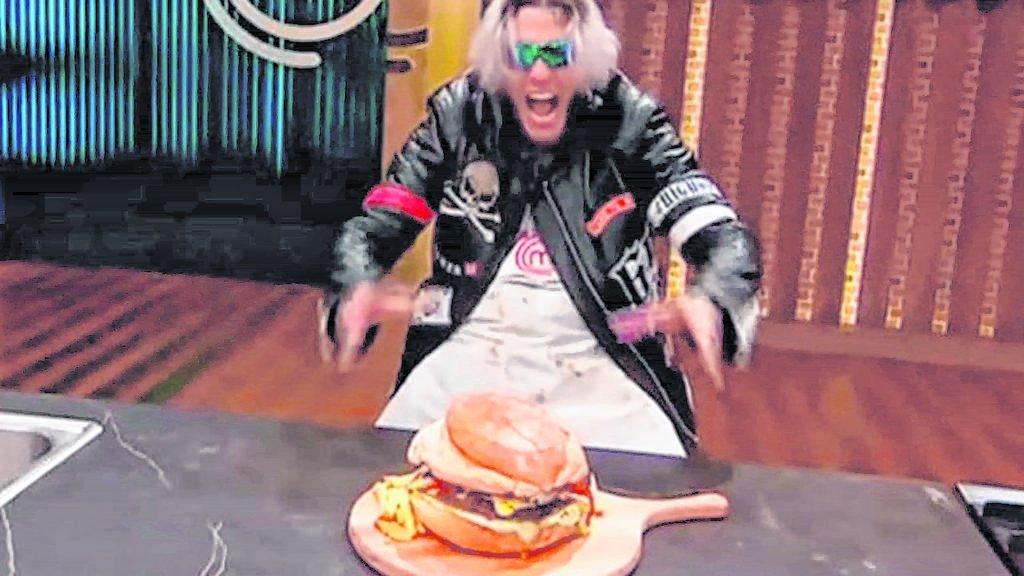 Alex Caniggia venderá la hamburguesa que deleitó a Martitegui por un dineral