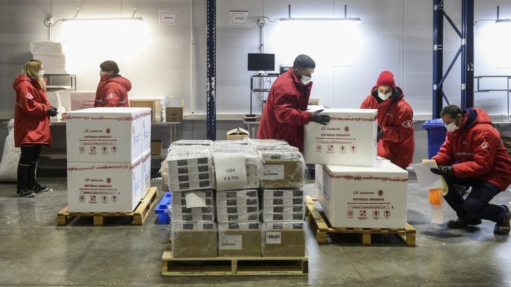 Llegaron 811 mil vacunas de AstraZeneca y ya suman 20 millones las dosis recibidas