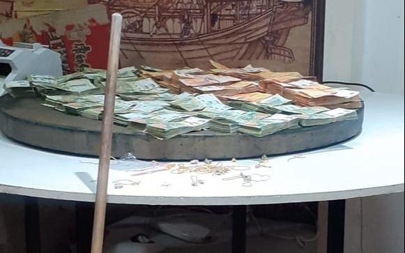 La Plata: fingen allanamiento para robar en sala de juego clandestino con 25 ciudadanos chinos