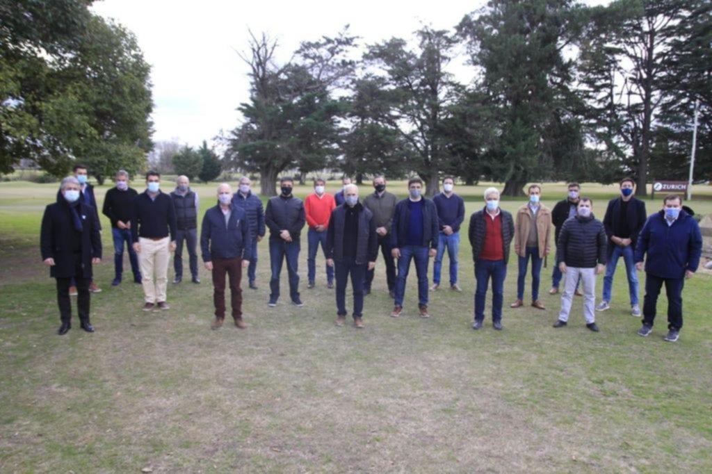 Larreta convocó a un grupo de intendentes en Olavarría y se le apareció Jorge Macri