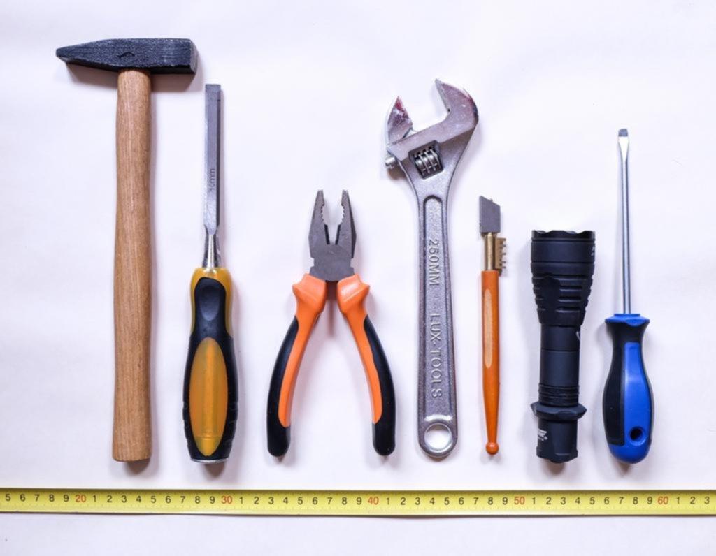 Manos a la obra: ¿Qué herramientas son necesarias en el hogar?