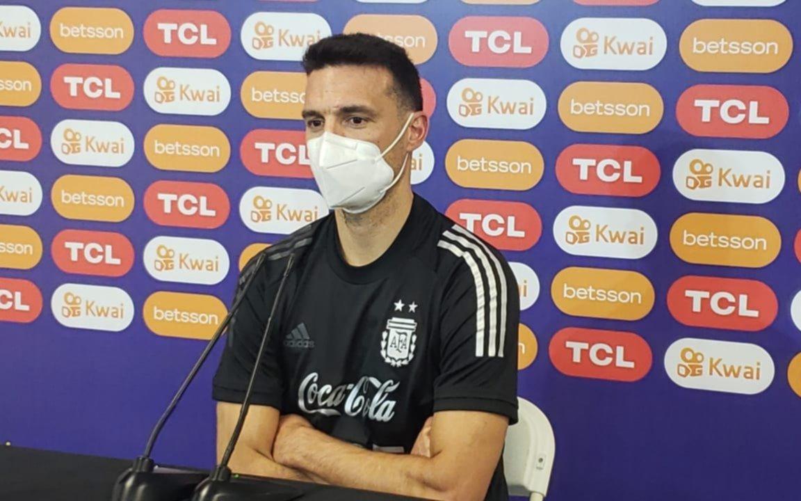 """""""Agüero está cada día mejor y tiene posibilidades de ser titular"""", aseguró Scaloni."""