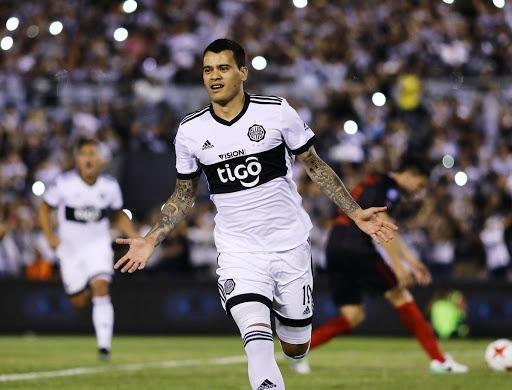 Terminado el sueño del Pulga Rodríguez, Gimnasia salió a buscar goles extranjeros