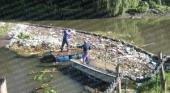 Tiran 10 toneladas de basura por mes al arroyo El Gato