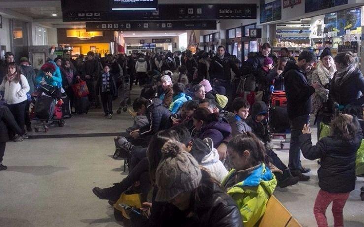 Nuevas complicaciones en el aeropuerto de Bariloche preocupan a los turistas