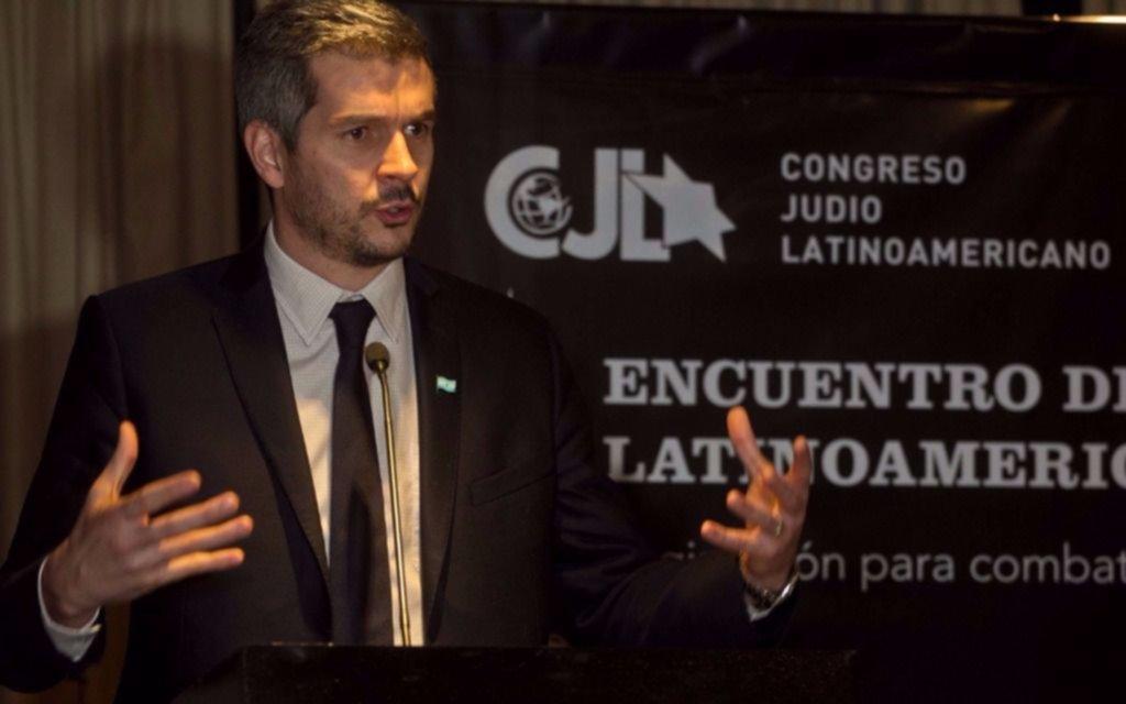 """AMIA: Marcos Peña expresó la convicción del gobierno para """"desandar años de impunidad"""""""