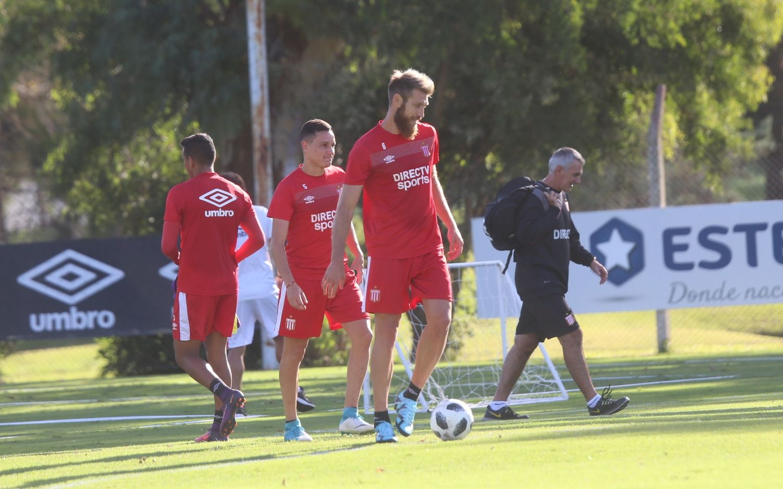 El León se entrenó en City Bell mientras espera por Quilmes