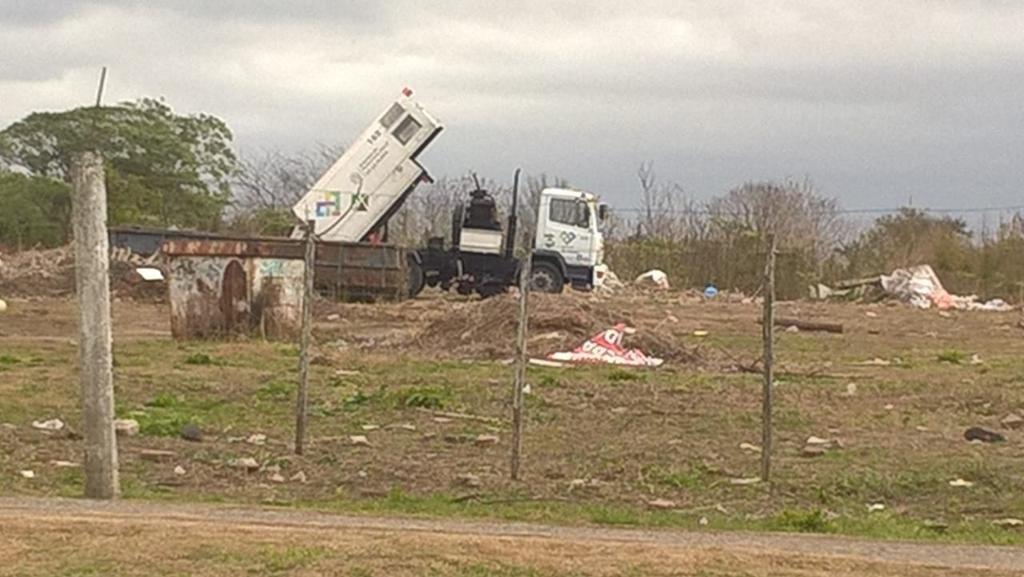 Denuncian vuelcos de basura en predio en el que proyectan construir un parque