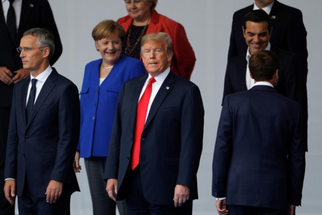 Trump le apuntó a Alemania al inicio de la cumbre de la OTAN