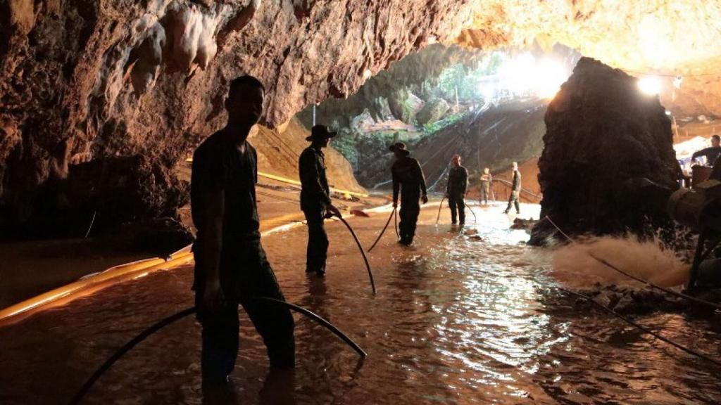Llevarán al cine historia de niños rescatados en cueva de Tailandia
