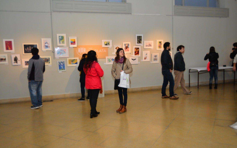 Se inaugura la muestra de 23 ilustradores platenses en el MUMART