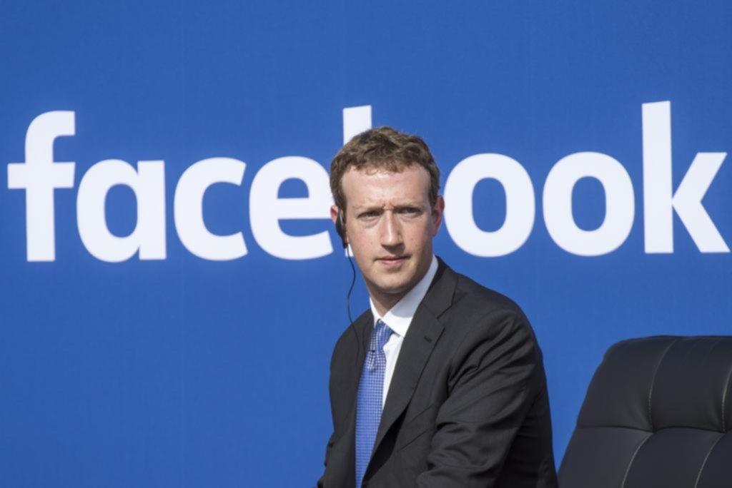 Negación del Holocausto no se removerá de Facebook