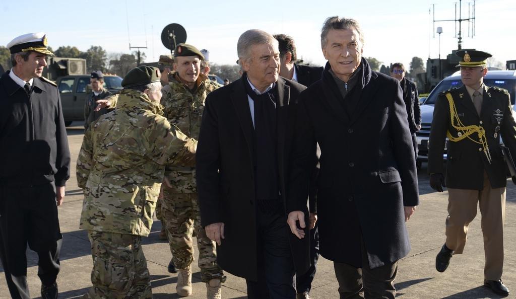 Macri anunció la reconversión de las Fuerzas Armadas - Política