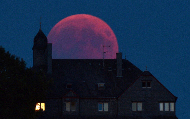 Luna de Sangre: Las mejores fotos del eclipse más largo del siglo