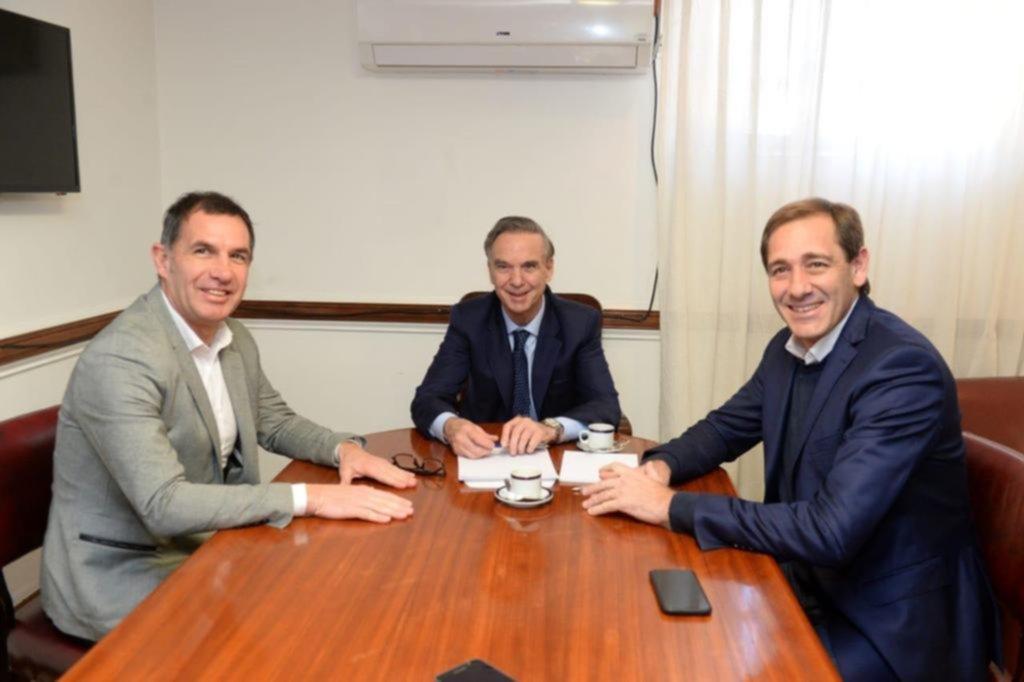 Garro se reunió con Pichetto y sumó a un concejal peronista