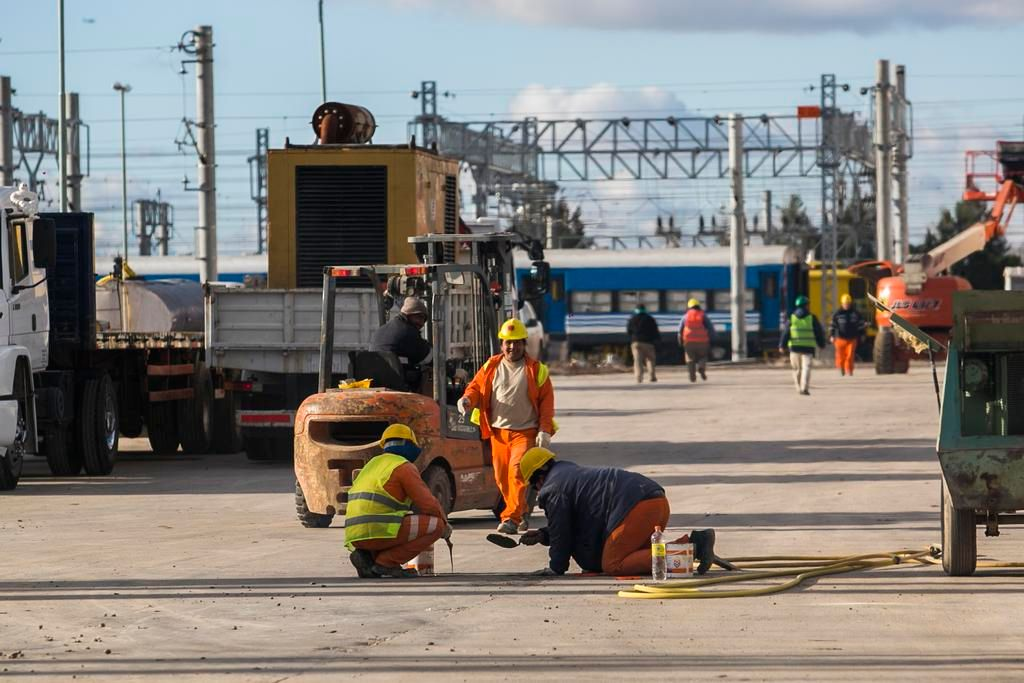 La reactivación de los talleres ferroviarios de Tolosa estaría lista antes de fin de año