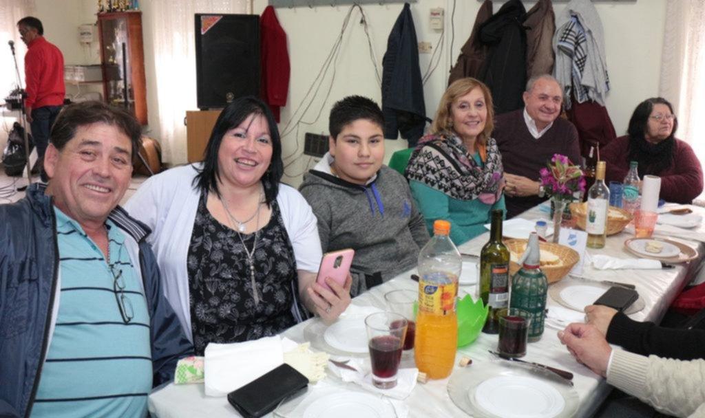 El Club Abuelos de Los Hornos estuvo de festejo