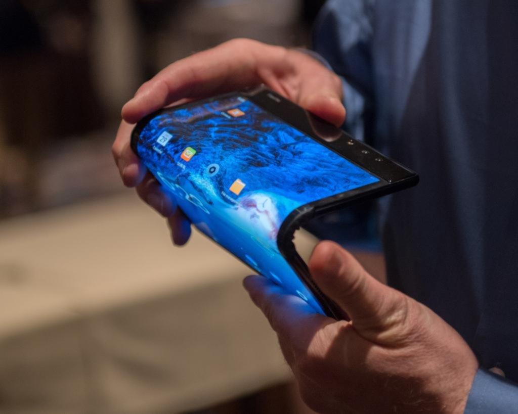 Teléfonos con pantallas plegables; caros, pero espectaculares
