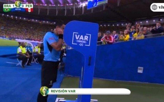 Uno de los árbitros cuestionados en la Copa América rompió el silencio