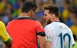 Zambrano y sus disparatadas explicaciones sobre los penales que no cobró contra Brasil