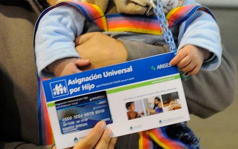 ¿Cuántos chicos de los que reciben la Asignación Universal por Hijo son extranjeros?