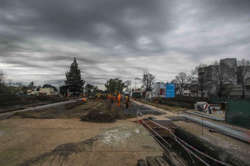 La construcción del paso bajo nivel entra en una nueva etapa y cortan 1 por 4 meses
