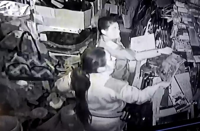 Dos policías presas por robar con el uniforme: en 48 horas, 4 detenidos