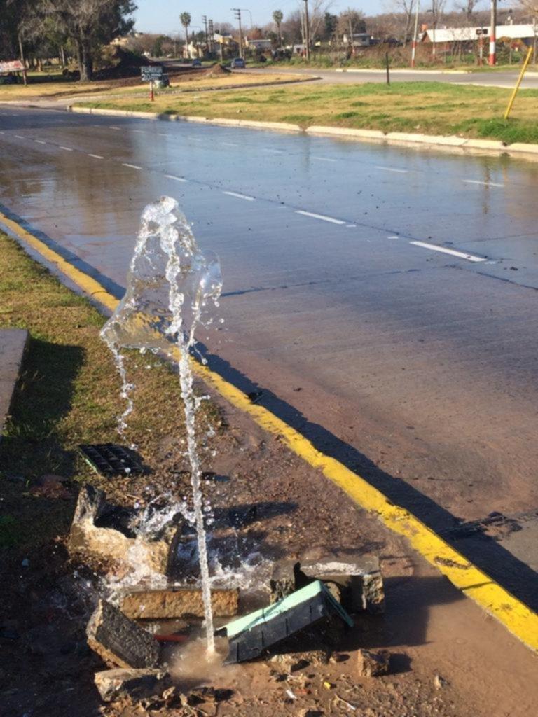 Derroche por pérdida de agua en Los Hornos