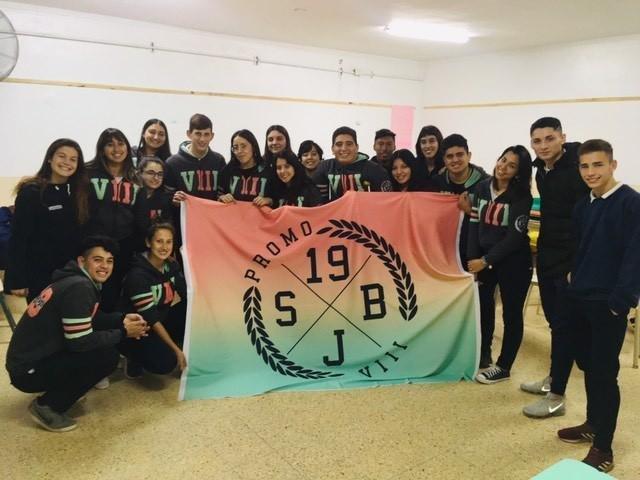 Como algunos no podían pagar el viaje a Bariloche, irán al norte a ayudar a familias humildes