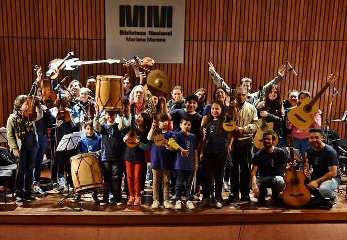 Una orquesta escuela de Villa Alba se presenta con su música en Colombia