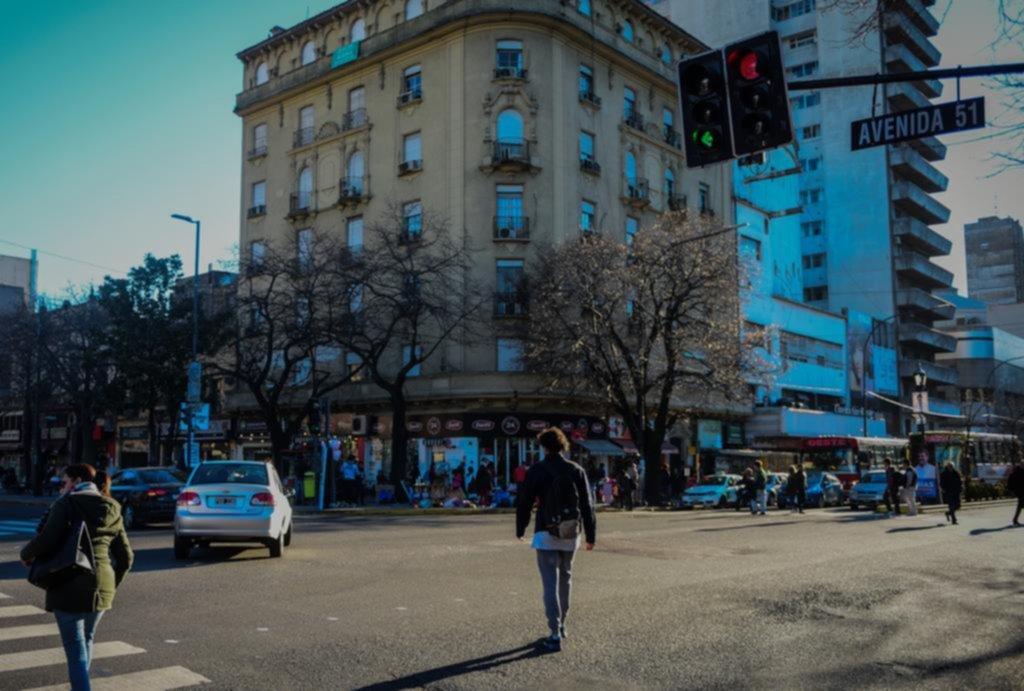 Con una batería de cambios buscan mejorar el tránsito en torno a la plaza San Martín