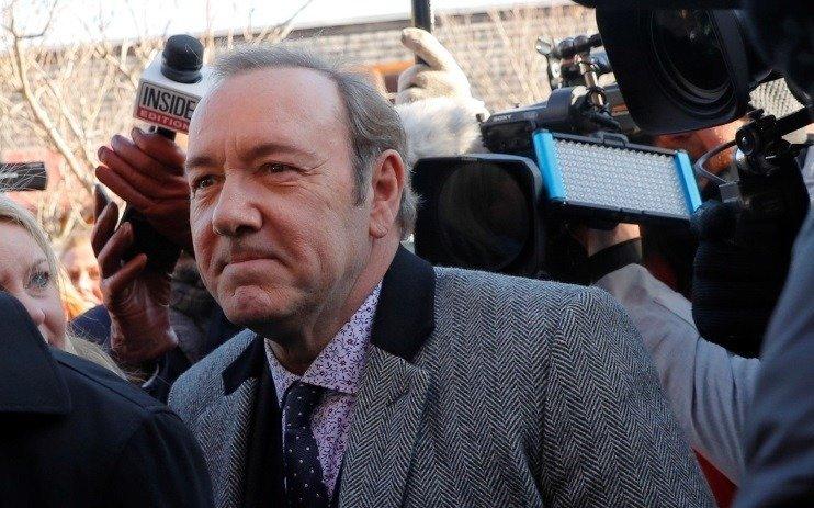 Retiran los cargos de agresión sexual contra Kevin Spacey