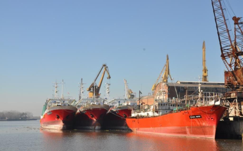 """Resultado de imagen para El Astillero Río Santiago (ARS) comenzó hoy con las tareas de reparación del buque """"Xin Shi Ji 26"""" de la empresa pesquera china"""